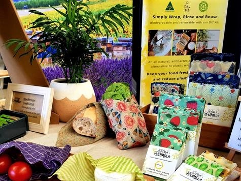 https://www.futurefoodsystems.com.au/wp-content/uploads/2020/09/Laura-Eddingtons-brainchild-Little-Bumble-uses-honey-industry-by-product-beeswax-to-create-eco-friendly-wraps_Credit-Little-Bumble-Reusable-Food-Wraps_CROP.jpg