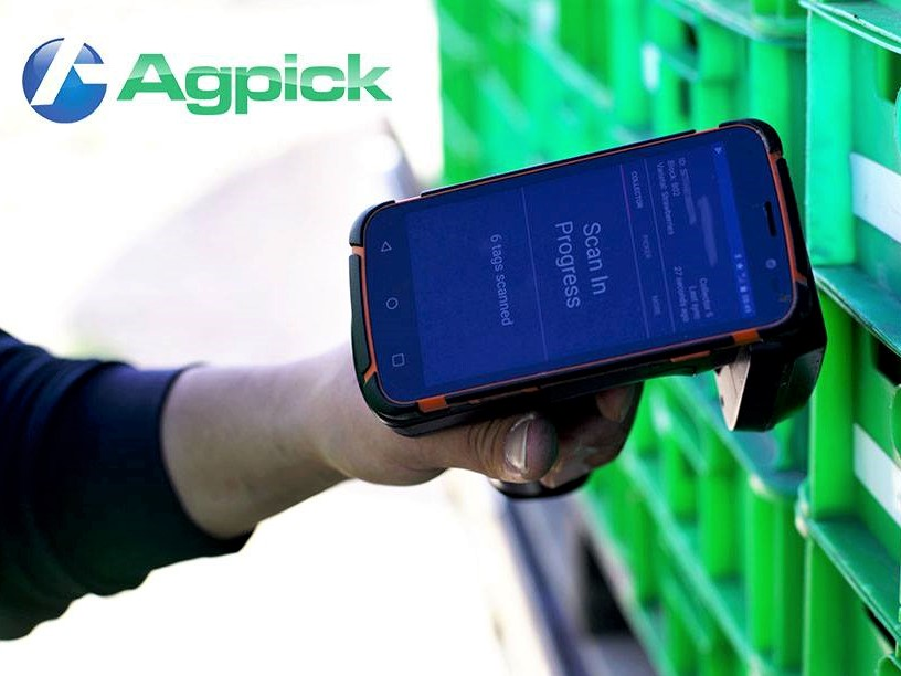 https://www.futurefoodsystems.com.au/wp-content/uploads/2020/10/The-AgPick-picking-tool-developed-by-South-Australian-company-APT-is-proving-a-useful-picker-tracking-tool-under-COVID-19-WHS-restrictions_Credit-APT.jpg