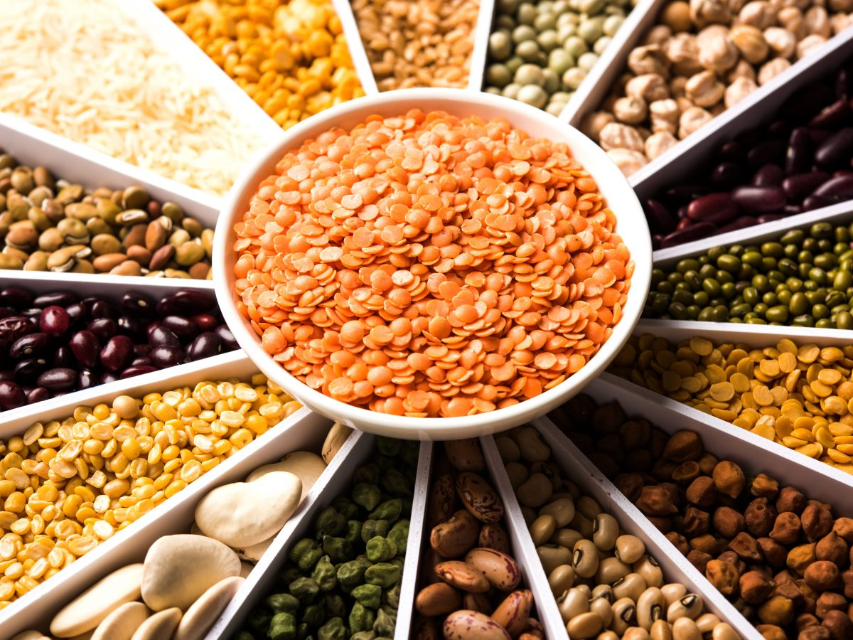 https://www.futurefoodsystems.com.au/wp-content/uploads/2021/02/Pulse-legumes.-Credit-Indian-Food-Images-Shutterstock_CROP-1200x900.jpg
