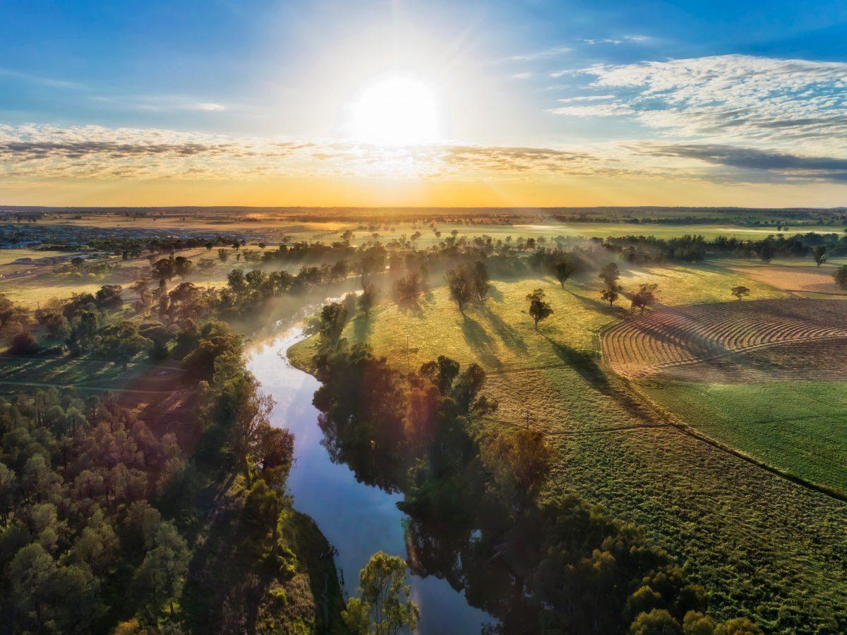 https://www.futurefoodsystems.com.au/wp-content/uploads/2021/03/Aerial-view-of-the-landscape-surrounding-regional-city-Dubbo-NSW_Credit-Taras-Vyshnya-Shutterstock_CROP-1200x900.jpg