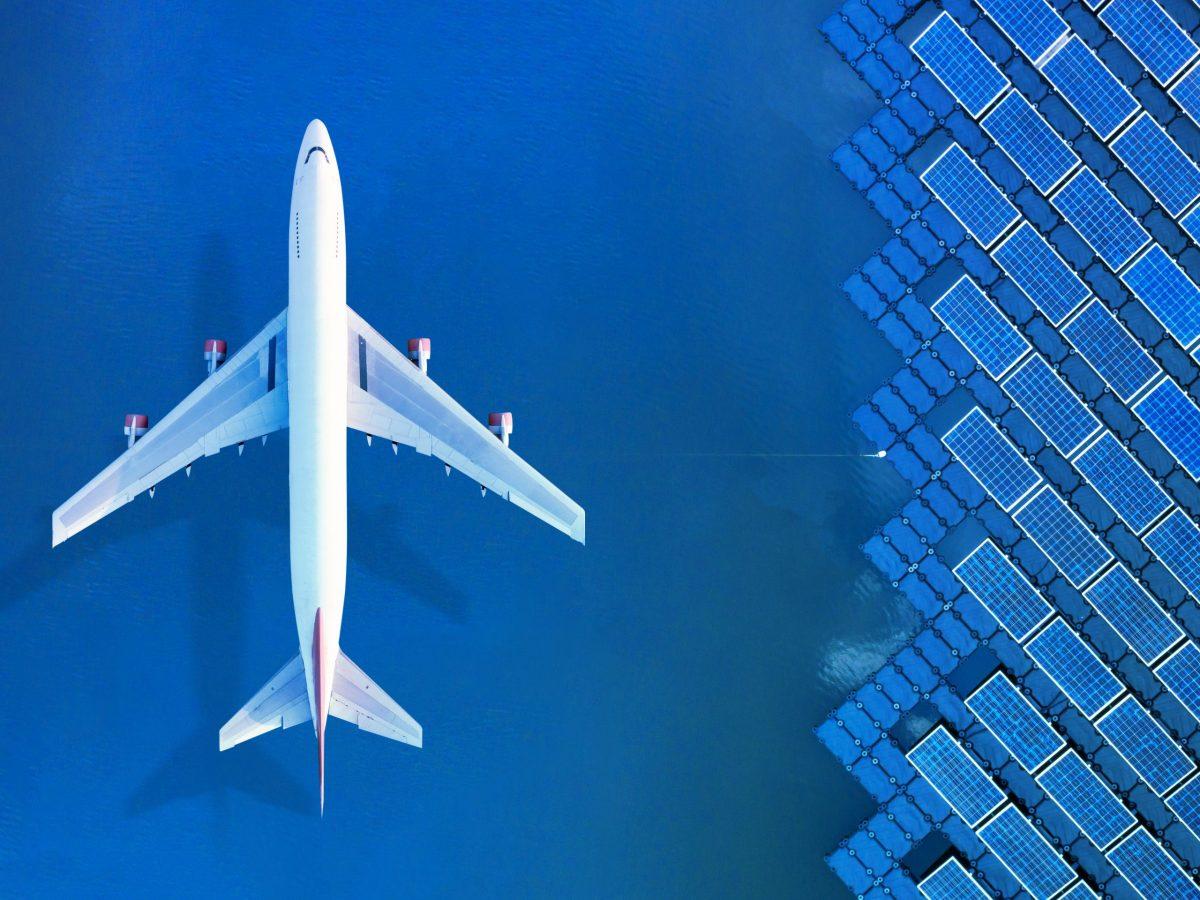https://www.futurefoodsystems.com.au/wp-content/uploads/2021/05/Airplane-and-solar-PV-arrays.-Credit-Surapol-USanakulm-Shutterstock_1688210173_CROP-scaled-1200x900.jpg