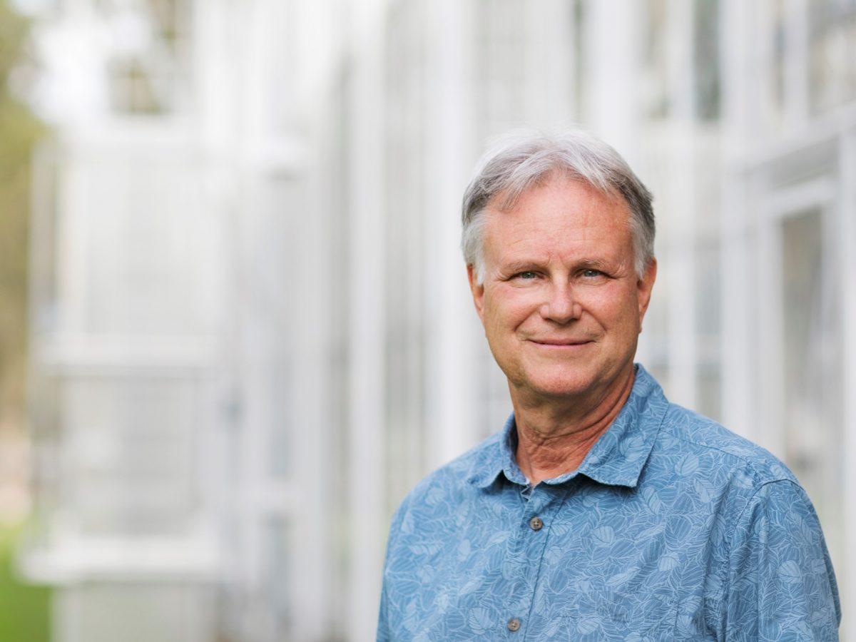 https://www.futurefoodsystems.com.au/wp-content/uploads/2021/05/Distinguished-Professor-David-Tissue.-Credit-Western-Sydney-University_CROP_ST_110521_0088-1200x900.jpg