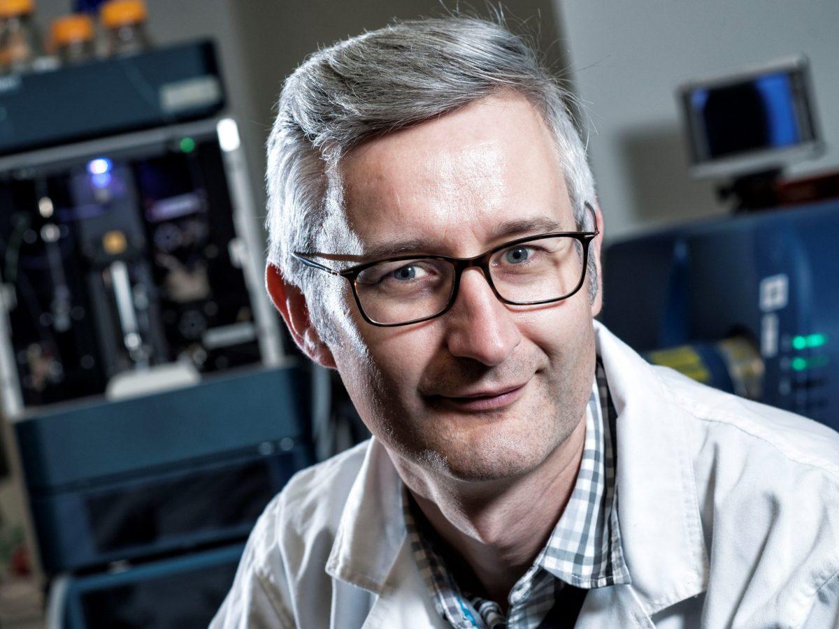 https://www.futurefoodsystems.com.au/wp-content/uploads/2021/06/Prof-Robert-Speight.-Credit-Queensland-University-of-Technology_CROP-scaled-1200x900.jpg