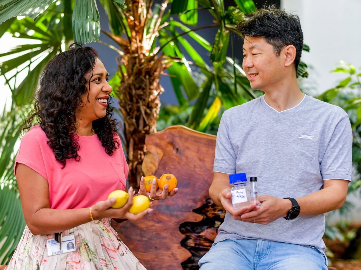 https://www.futurefoodsystems.com.au/wp-content/uploads/2021/07/Dr-Vinuthaa-Murthy-L-and-Dr-Hao-Wang-R-developed-a-scent-profile-to-detect-citrus-canker-disease.-Credit-Charles-Darwin-University_CROP-scaled-1200x900.jpg