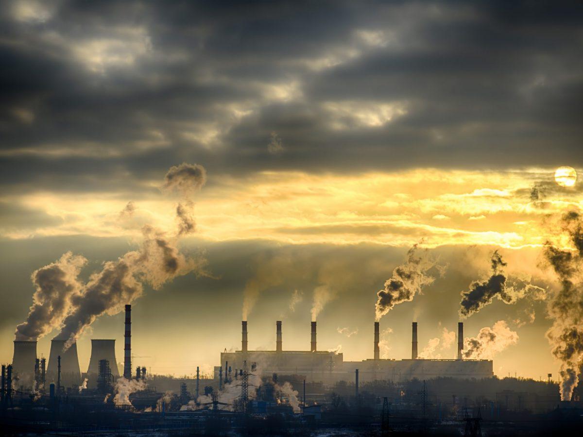 https://www.futurefoodsystems.com.au/wp-content/uploads/2021/07/Factories-spewing-smoke.-Credit-Shutterstock_346361039_CROP-scaled-1200x900.jpg