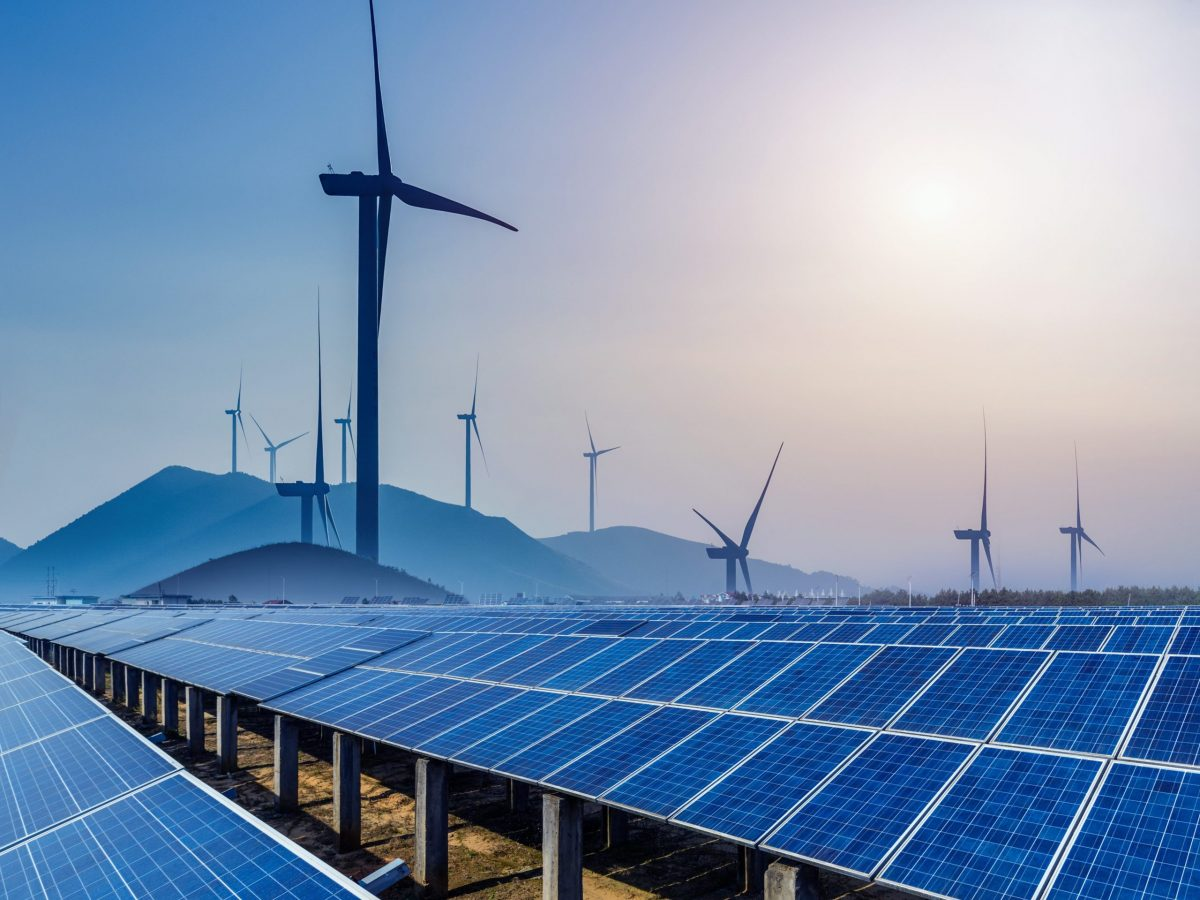 https://www.futurefoodsystems.com.au/wp-content/uploads/2021/09/Wind-turbines-and-solar-PV.-Credit-Shutterstock_767484865_CROP-scaled-1200x900.jpg