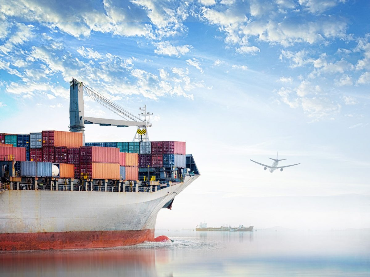 https://www.futurefoodsystems.com.au/wp-content/uploads/2021/10/Air-and-sea-freight.-Credit-Shutterstock_790799857_CROP-scaled-1200x900.jpg